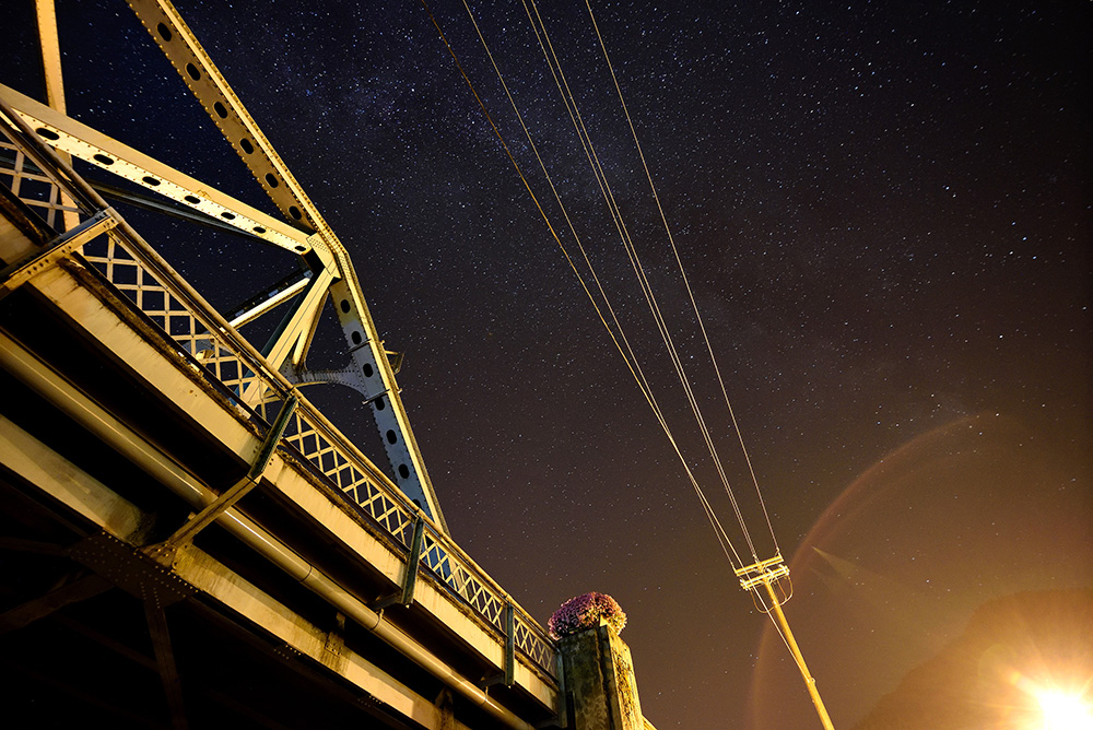Skykomish-Bridge-with-Milky-Way